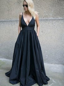 Low V-Neck Black Spaghetti Strap Backless Long Prom Dress With Pockets