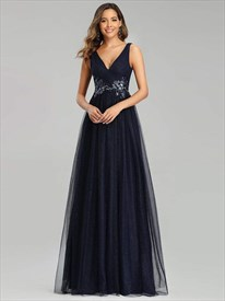 Navy Blue V-Neck Tulle Long Sleeveless Prom Dress With Lace Appliques
