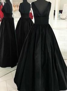Black A-Line Deep V-Neck Sleeveless Pleated Satin Long Formal Dresses