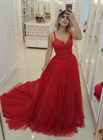 Red A-Line/Princess V-Neck Spaghetti Strap Evening Dress With Beading
