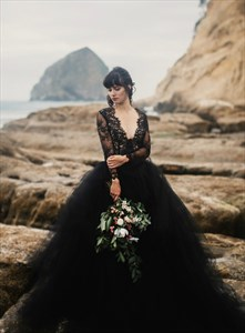 Black Deep V-Neck Sheer Lace Bodice Wedding Dresses With Long Sleeve