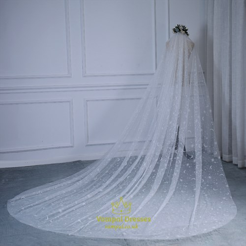 Charming Stars And Moons Embellishment Long Bride Wedding Tail