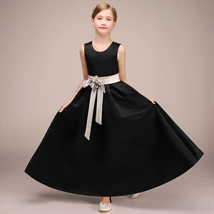 Black Satin Sleeveless Wedding Flower Girl Dresses With Bow