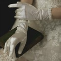 Satin Gloves With Pearls Embellished