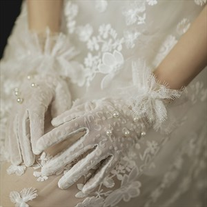 Tulle Pearls Embellished Gloves With Lace Trim