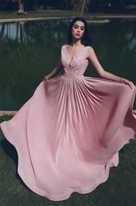 V-Neck Sleeveless Chiffon Pleated Lace Applique Long Prom Dresses