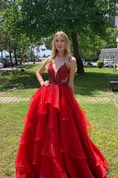 Red Organza Layered V-Neck Lace Applique Embellished Evening Dress